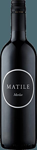 De Matile Merlot van Cardeto toont zich in een elegant kersenrood met violette accenten in het wijnglas. Het bouquet van deze Merlot uit Cardeto doet denken aan rood bessenfruit en zure kersen, terwijl het elegante gehemelte verrukt met animerende fruitzuren en fijne tannines. Bijpassende gerechten voor de Matile Merlot Serveer de Matile Merlot bij antipasti misti of tapas, pastagerechten met tomatensauzen, gevogelte en wit vlees, malse gerechten van varkens- en rundvlees en milde kazen.