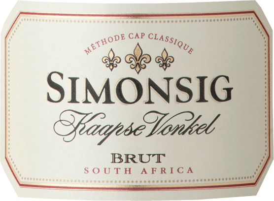 De Kaapse Vonkel Brut Sparkling Wine van Simonsig Wine Estate is de eerste mousserende wijn die in Zuid-Afrika is geproduceerd volgens de Champenoise-methode. In een lange traditie heeft zich een voortreffelijk complexe en fruitige nobele mousserende wijn ontwikkeld. Hetheeft een zacht strogele kleur met levendige, opstijgende belletjes die een fijne schuimkraag vormen rond de rand. Deze Brut is een Zuid-Afrikaanse Cap Classique met een complex bouquet van delicate bloemige en fruitige aroma's van rijpe gele appel en citrus. Nuances van rode bessen en gebakken appel zorgen voor complexiteit.Frisse, aanhoudende en fijnkorrelige mousseux ondersteunt het volle gehemelte en zorgt voor een mondvullend gevoel alvorens uit te monden in een aanhoudende schone en droge afdronk. De Kaapse Vonkel van Simonsig is een van onze bestsellers uit Zuid-Afrika! Vinificatie van deKaapse Vonkel Brut mousserende wijn van Simonsig Wine Estate De druiven van de cuvée van Chardonnay, Pinot Noir en Pinot Meunier worden met de hand geplukt en in manden overgebracht. De pneumatische persing wordt gevolgd door gisting in stalen tanks bij 15 - 16 °C met speciaal geselecteerde gisten. De most van de Chardonnay-druiven wordt vergist op Frans eikenhout, wat de wijn complexer maakt. De gisting op fles heet hier niet Methode Champenoise maar Methode Cap Classique. Spijsadvies voor deKaapse Vonkel Brutvan Simonsig Wine Estate Wij bevelen het aan bij verse oesters, paté, gebakken kip met honing, eend en desserts zoals vruchtencake, delicate romige cake of amandeltaart. Awards voor deKaapse Vonkel Brut Mousserende Wijn van Simonsig Wine Estate 2012 Top South African Wines - Winnaar (jaargang 2007), 2011 Platters Wijngids - 4 sterren (jaargangen 2008, 2009, 2010, 2011, 2012), 2013 Veritas - Goud (Vintage 2010), Sommelier Wine Award - Zilver (jrg. 2011)