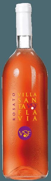 De Rosato Villa Santa Flavia van Sacchetto presenteert zich in een levendige rosé die licht overgaat in kersenrood. De neus onthult een wijnachtig, fruitig bouquet met aroma's van zwarte bessen en kersen. In de mond zijn de frisse levendigheid en de milde drinkbaarheid mooi in balans. Het ziet er aangenaam harmonieus uit enbiedt een unieke en fruitige smaakervaring!  Geniet van deze Cuveé als aperitief, bij voorgerechten en allerlei soepen, maar ook bij stoofschotels met vlees en groenten.