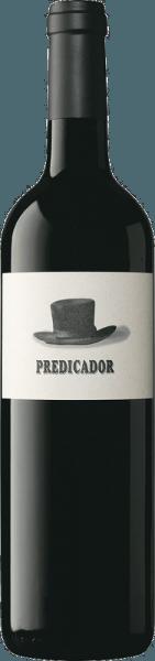 De Predicador Tinto DOCa van Bodega Contador presenteert zich in het glas in een diep donkerrood met violette reflecties. De neus wordt gestreeld door de heerlijke aroma's van rood en zwart fruit. Het bouquet wordt afgerond door fijne houttonen, kruidige nuances en minerale hints. Deze rode wijn lijkt fris en gerijpt tegelijk in de mond. Een complex fruitaroma gaat harmonieus samen met frisse zuren en zachte tannines. Een fijne Cuvée, die inspireert met lengte en structuur. Vinificatie van de Bodega Contador Predicador Deze cuvée van rode wijn wordt gevinifieerd op basis van de druivenrassen Tempranillo (93%), Garnacha (3%), Graciano (2%) en Mazuelo/Carignan (2%). Na de oogst worden de druiven ontsteeld en vergist in roestvrijstalen tanks en houten vaten. De rijping vindt vervolgens plaats gedurende 16 maanden in Franse eiken vaten. Aanbevolen eten voor de Bodega Contador Predicador Geniet van deze droge rode wijn bij stevige tapas, paella, rood vlees en belegen kaas.