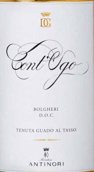 De Cont'Ugo Bolgheri DOC van Guado al Tasso is een van de topwijnen van dit fraaie Marchesi Antinori domein. De Cont'Ugo Bolgheri schittert prachtig rood in het glas, op de neus intense tonen, goed geïntegreerde tonen van rijpe kersen en bosbessen springen in het oog, aangevuld met aantrekkelijke aroma's van gekonfijt fruit en zoete specerijen. In de mond is de Cont'Ugo zacht, evenwichtig en aanhoudend, een wijn die gekenmerkt wordt door harmonie en aangenaamheid tot aan de lange fruitige afdronk. Vinificatie van de Cont'Ugo Bolgheri DOC door Guado al Tasso Sinds 2011 is het mogelijk om het potentieel van de wijngaarden in het Bolgheri DOC-gebied ook te benutten voor een zuivere Merlot. Voor de Cont'Ugo Bolgheri DOC werden de beste Merlot druiven uit de wijngaarden van Guado al Tasso geselecteerd, handmatig geoogst en in de wijnkelder nogmaals geselecteerd. De alcoholische gisting en de maceratie vinden plaats in roestvrijstalen tanks. De gistingstemperatuur wordt geregeld naar gelang van de rijpheid van de druiven: sommige bij lage temperaturen om een betere aromatische frisheid te verkrijgen, andere bij 30°C voor een betere extractie van de polyfenolen en voor de structuur. Deze Merlots, die zo verschillend zijn, worden nu apart in barriques gelegd, waarvan 1/3 nieuw, waar de malolactische gisting aan het eind van het jaar volledig is voltooid. Daarna volgt een rijping van 8 maanden in barriques van Frans eikenhout. De beste partijen worden samengevoegd en de cuvée Merlot rijpt nog eens 4 maanden in barriques. Na het bottelen rust de wijn nog 6 maanden op de fles voordat hij in de verkoop gaat. Voedingsadviezen voor de Cont'Ugo Bolgheri DOC van Guado al Tasso Geniet van deze uitstekende Merlot uit Bolgheri bij pasta met vleessauzen, risotto met paddenstoelen, stoofpot van wild zwijn, belegen kazen, vleeswaren, alle soorten wild Onderscheidingen voor de Cont'Ugo Bolgheri DOC van Tenuta Guado al Tasso Wijnadvocaat Robert M.Parker: 91+ punten voor 2015 Vinum: 16 van 