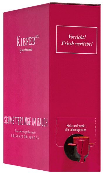 """The Schmetterlinge im Bauch Rosé from Weingut Kiefer from the series """"Junge Poeten"""" shines with a wonderful raspberry-pink in the glass. To the eye a dreamlike rosé wine with intensive color reveals itself, the lively and exciting smell after red fruits such as raspberry, strawberry and red currant, supplements by meadow flowers and citric nuances. On the palate, this German rosé wine is dominated by ripe raspberries and red currants. A delicate tingling sensation, combined with a hearty play of sweetness and acidity, radiates pure joie de vivre and guarantees an uncomplicated and wonderfully fruity drinking pleasure. After """"real"""" butterflies in the belly, this wine is the next best thing. Of course, the combination of both versions is best. Vinification ofSchmetterlinge im Bauch Rosé wine Bag in Box The Schmetterlinge im Bauch wine is vinified from Pinot Noir, Dornfelder, Cabernet Mitos and Cabernet Carol and matured with subtle residual sweetness. The grapes grow on mineral loess soils with volcanic rock beneath. Drinking Recommendation for the Bag in Box Schmetterlinge im Bauch Wine Enjoy the Kiefer Schmetterlinge im Bauch Rosé as a perfect summer wine on the terrace in the evening or as a beautiful companion to Mediterranean fish dishes.In a practical 3 litre bag-in-box for on the go, whether for a sailing trip or camping."""