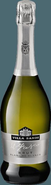 De il Fresco Brut Blanc de Blancs Spumante van Villa Sandi in Veneto toont een briljante, lichtgele kleur in het glas. De kleur van deze witte wijn vertoont ook reflecties in de kern. Deze Italiaanse cuvée flatteert in het glas heerlijk jeugdige tonen van moerbeien, peer, lelies en physalis. Daarnaast komen er toetsen van oosterse specerijen, vanille en peperkoekkruiden bij. Il Fresco Brut Blanc de Blancs Spumante kan worden omschreven als uitzonderlijk fruitig en fluweelzacht, gevinifieerd met een aangenaam zacht smaakprofiel. Lichtvoetig en veelzijdig, presenteert deze knisperende mousserende wijn zich in de mond. Dankzij de gematigde fruitzuren flatteert de il Fresco Brut Blanc de Blancs Spumante het gehemelte met een aangenaam gevoel, zonder daarbij aan frisheid in te boeten. De finale van deze mousserende wijn uit het wijngebied van Veneto maakt uiteindelijk indruk met een goede nagalm. Vinificatie van de il Fresco Brut Blanc de Blancs Spumante van Villa Sandi De basis voor de eersteklas en heerlijk elegante cuvée il Fresco Brut Blanc de Blancs Spumante van Villa Sandi zijn de Chardonnay- en Pinot Blanc-druiven. Na de oogst worden de druiven via de snelste weg naar de perserij gebracht. Hier worden ze geselecteerd en zorgvuldig uit elkaar gehaald. De gisting volgt in roestvrijstalen tanks bij gecontroleerde temperaturen. Aan het einde van de gisting kan il Fresco Brut Blanc de Blancs Spumante nog enkele maanden op de fijne droesem harmoniseren. De rijping in eiken vaten wordt gevolgd door een lange flesrijping, wat deze mousserende wijn nog complexer maakt. Spijs aanbeveling voor Villa Sandi il Fresco Brut Blanc de Blancs Spumante Geniet van deze mousserende wijn uit Italië idealiter zeer goed gekoeld op 5 - 7°C als begeleider van rum stoofpot, kalfsvlees en ui stoofschotel of pittige curry met lamsvlees.