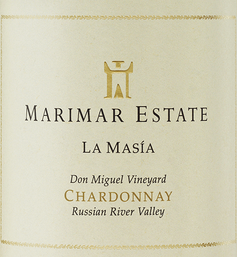 La Masía Chardonnay from Marimar Estate is a wonderfully creamy white wine from the single vineyard Don Miguel Vineyard in the American wine-growing region Russian River Valley.  In the glass this wine shines in a rich straw yellow with green-golden highlights. The expressive bouquet reveals intense notes of fresh flowers - especially jasmine and gardenia - sun-ripened citrus fruits and juicy white fleshy peaches. The palate of this American white wine is enveloped in a fleshy, wonderfully creamy texture. The lush aromas of the nose of fine yeast notes and a subtle hint of oak wood perfectly rounded. Furthermore, the finest nuances of vanilla and spices give this wine its size and perfect structure. The finish is wonderfully aromatic and has an outstanding length. Vinification of Marimar Chardonnay La Masía At the beginning of September, the optimally ripe grapes are carefully harvested by hand in the Sonoma region and immediately brought to the wine cellar of Marimar Estate. The selected berries are carefully pressed as a whole and the resulting must is placed in oak barrels (60%) and stainless steel tanks (40%) for fermentation. The barrels are used French premium barrels from the cooperages Damy (Allier oak) and Rousseau (oak wood from central France). Once the alcoholic fermentation is complete, this white wine undergoes 100% biological acid degradation. If this is also completed, the La Masía Chardonnay is matured for 10 months on the fine yeast (sur lie). Finally, this wine rounds off on the bottle before it leaves the winery. Food recommendation for the La Masía Chardonnay Marimar Enjoy this dry white wine from the USA with fried fish with fresh lemon butter, all kinds of spicy Asian dishes, cooked shellfish or spinach risotto with mushrooms. Awards for La Masía Marimar Estate Chardonnay Wine Spectator: 92 points for 2015