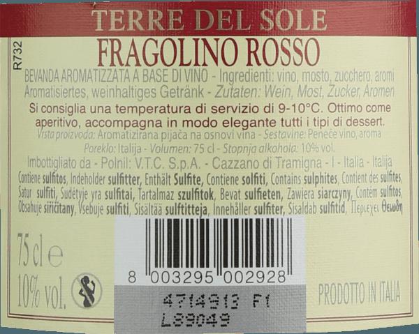 Terre del Sole's Fragolino Rosso is de iconische mousserende wijn uit de Italiaanse wijnstreek Veneto, met een frisse, ongecompliceerde en heerlijk fruitige persoonlijkheid. In het glas presenteert deze Fragolino zich in een stralend violetrood. In de neus frisse fruitige noten. Intense aroma's van vers geplukte aardbeien openbaren zich - fijntjes onderstreept met hints van kruisbessen. In de mond heeft deze Fragolino een aangename zoetheid die perfect wordt onderstreept door de fijne, sprankelende koolzuurbelletjes. De zuurgraad harmonieert wonderwel met het aroma van wilde aardbeien en geeft de Terre del Sole Fragolino zijn heerlijke frisheid. Serveertip voor de Fragolino Rosso Geniet van deze heerlijke Fragolino goed gekoeld op 5 tot 6 graden Celsius als aperitief of bij fruitige dessertvariaties. Maar ook op mooie zomerdagen mag een glaasje Fragolino niet ontbreken.
