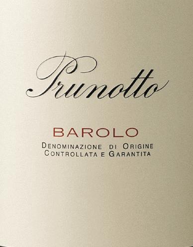 De Barolo DOCG van Prunotto schittert Grantrot in het glas, in de neus opent zich een brede, complexe Bouque met aroma's van viooltjes, bosgrond, rijpe bosbessen en bramen. In de mond is deze Barolo fluweelachtig rijk, zacht en zeer evenwichtig, met een goede structuur, een volle smaak en stevige en zijdezachte tannines. De lange afdronk biedt een heerlijk fruitige afdronk met hints van pure chocolade op de achtergrond. Vinificatie van de Barolo DOCG door Prunotto De Nebbiolo druiven voor deze Barolo worden geoogst van wijngaarden in de streken Monforte, Serralunga en Castiglion Falletto. De bodem bestaat hoofdzakelijk uit mergel met fossiele sedimenten, rijk aan kalkhoudende kleimergel met afzettingen van magnesium en mangaan. De selectieve oogst van de druiven, die optimaal rijp zijn, vindt eind september plaats. In de kelder worden ze ontsteeld en geperst, gevolgd door maceratie op de schillen en alcoholische gisting bij een gecontroleerde temperatuur van niet meer dan 30°C gedurende 10 dagen, gevolgd door malolactische gisting, die vóór het begin van de winter volledig is voltooid. De Barolo wordt vervolgens 38 maanden gerijpt, waarvan ten minste 18 maanden in Slavonische en Franse eiken vaten van verschillende inhoud, en nog eens 18 tot 20 maanden op fles na het bottelen. Deze klassieke Barolo mag minstens 17 jaar rijpen. Spijsadvies voor de Barolo DOCG van Prunotto Geniet van deze gulle en weelderige Barolo bij stevige vleesgerechten, wild en oude kazen. Wij raden aan hem ongeveer 2 uur voor het serveren te openen en op kamertemperatuur te drinken. Prijzen voor de Barolo DOCG van Prunotto Gambero Rosso: 1 glas voor 2012, 2 glazen voor 2013 James Suckling: 91 punten voor 2012, 93 punten voor 2013 I Vini di Veronelli: 90 punten voor 2012, 92 punten voor 2013 Robert Parker: 90 punten voor 2012, 91 punten voor 2013 Wine Spectator: 92 punten voor 2012, 90 punten voor 2013 Bibenda: 4 druiven voor 2012