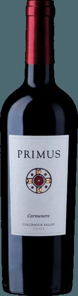PrimusCarménère van Veramonteis een zuivere rode wijn uit Chili, gemaakt van de druivensoortCarménère (100%). In een rijk robijnrood presenteert deze Chileense rode wijn zich in het glas. In de neus ontvouwen zich volle aroma's van sappige kersen. Het aroma van kersen gaat vergezeld van hints van witte peper en rozemarijn. In de mond is deze rode wijn fris met veel fruit en een zijdezachte textuur. De tannines zijn heerlijk fluweelzacht en leiden naar een langdurige afdronk. Vinificatie van de PrimusCarménère De met de hand geplukte druiven voor deze rode wijn komen uit de regio vanColchagua Valley en Central Valley en worden zorgvuldig met de hand geoogst. De druiven worden op de schillen vergist. Na de maceratie rijpt deze droge wijn 12 maanden op Frans eikenhout. Aanbevolen voedsel voor de Veramonte PrimusCarménère Wij bevelen deze rode wijn uit Chili aan bij gezellige barbecue-avonden met het gezin en de vrienden of ook bij pittige kaassoorten. Prijzen voor de Primus VeramonteCarménère James Suckling: 92 punten voor 2014