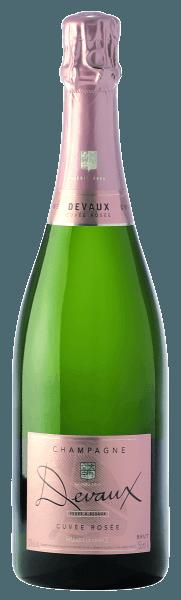 Deze delicate en fijnfruitige Cuvée Rosée Brutvan Devauxverleidt met aroma's van frambozen en aalbessen. Hij oogt fris, zeer evenwichtig en harmonieus met fijne aroma's van viooltjes. Vooral de smaak van rode bessen geeft deze zeldzame rosé champagne zijn opwekkend karakter. Food Pairing / Voedingsadvies voor deCuvée Rosée Brut -Champagne Devaux Geniet ervan met bijvoorbeeld parmaham, chocolade dessert of rode vruchten. Awards voor deCuvée Rosée Brut -Champagne Devaux Mundus Vini 2012: zilver;2013 Champagner Handbuch G. Eichelmann: 3 sterren,2012 Winwirtschaft + Weinwelt: 90/100 Pkt.
