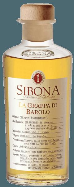 De Grappa di Barolo van Antica Distilleria Sibona is een echte Piemontese Grappa. In het glas presenteert hij zich helder goudkleurig, in de neus geurt hij intesief, met kruidige, zachte tonen, in de mond werkt hij fluweelzacht, warm, diep en rijp, met een uitstekend geïntegreerde harmonieuze houttoets. Lange en zachte afdronk. Productie van de Grappa di Barolo van Antica Distilleria Sibona De Grappa di Barolo wordt gedistilleerd uit de Nebbiolo-droesem, die afkomstig is van de vinificatie van de Barolo-wijn in het traditionele DOCG-gebied rond Barolo. De daaruit gedistilleerde grappa wordt eerst gerijpt in Oostenrijkse eiken vaten en vervolgens verfijnd in barriques. Awards Internationaal Concours voor Wijn en Gedistilleerde Dranken - Brons en ZilverConcours Mondial de Bruxelles - Zilver