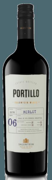 De Merlot van Portillo toont een dicht rood in het glas en onthult de aroma's van rode en donkere bosvruchten, vergezeld van een hint van paprika. Deze Argentijnse Merlot is zacht en harmonieus in de mond. Met een uitgesproken fruitigheid en zijdezachte tannines, eindigt deze wijn met een lange afdronk. Spijs aanbeveling voor de Portillo Merlot Geniet van deze droge rode wijn bij varkensvlees, rood vlees, pasta of harde kaas.