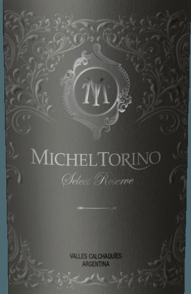 De Select Reserve Tannat van Michel Torino schittert in een sterke violette kleur in het glas. Het bouquet onthult intense aroma's van kruidnagel, witte chocolade en bourbon vanille, ondersteund door minerale hints. Het gehemelte wordt verrukt door een volle persoonlijkheid met heerlijke tonen van pure chocolade. Deze Argentijnse rode wijn maakt ook indruk met zijn stevige tanninestructuur en een lange, zeer harmonieuze afdronk. Vinificatie van de Torino Tannat Select Reserve In april worden de Tannat druiven geoogst voor deze single-varietal rode wijn. Eerst wordt het proces van malolactische gisting ondergaan voordat 70% van de wijn gedurende 12 maanden in Amerikaanse en Franse barriques wordt gerijpt. Aanbevolen voedsel voor de Tannat Select Reserve Michel Torino Wij raden deze rode wijn uit Salta aan bij rundvlees, wild, gestoofde gerechten, gegrild vlees, hartige kazen en de mediterrane keuken.