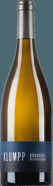 De Kirchberg Weissburgunder van het wijnhuis Klumpp verleidt met zijn pittige bouquet, dat wordt gekenmerkt door kweepeer en appel. Deze aroma's gaan vergezeld van verse kruiden, maar ook van abrikoos en peer. Deze verkwikkende witte wijn is sappig in de mond en onthult een duidelijke kruidigheid, appels en mineraliteit. Een fijne tanninestructuur leidt naar een lange en complexe afdronk. Vinificatie van de Klumpp Kirchberg Weissburgunder De druiven voor deze single-varietal Pinot Blanc zijn afkomstig van de Unteröwisheimer Kirchberg. De bodem daar is zeer kalkrijk en zorgt zo voor een optimale expressie van het Bourgogne-aroma. Een deel van deze wijn is gerijpt in barriques. Spijsadvies voor de Klumpp Kirchberg Weissburgunder Geniet van deze droge witte wijn bij asperges of kalfs- en varkensvlees.