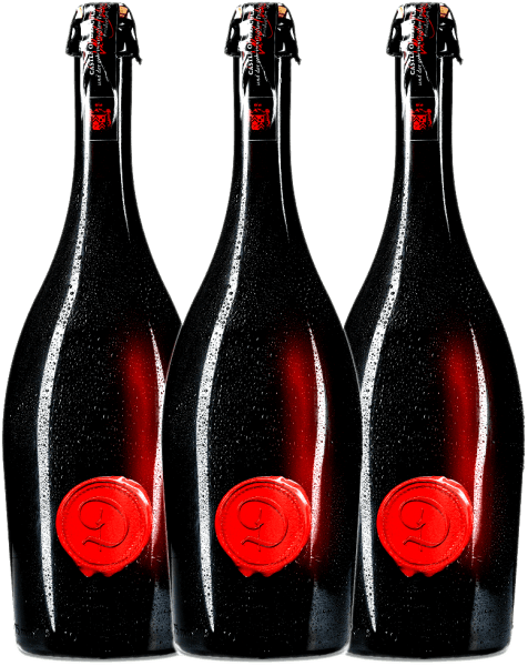 Met deze ongelooflijke bloedrode kleur, kan niemand eraan tippen. De Marsecco Red Vino Frizzante van Kasteel van Dracula is een halfdroge mousserende wijn uit Italië, waaraan de Marzemino-druif heerlijke aroma's van rijpe frambozen en florale nuances geeft. Marzemino - de lievelingsdruif van Wolfgang Amadeus Mozart - komt volledig tot zijn recht in de bloedrode, heerlijk mousserende en heerlijk fruitig-sappige mousserende wijn Castle of Dracula Red. Beleef Kasteel van Dracula nu met het 3 voordeelpakket! Geniet van deze Italiaanse mousserende wijn het best iced of met veel ijsblokjes. Meer informatie vindt u in de expertise over het kasteel van Dracula Marsecco Red Frizzante.