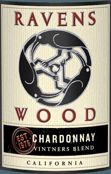 Vintners Blend Chardonnay van Ravenswood is een levendige, single varietal witte wijn uit de Amerikaanse wijnstreek Californië. In het glas schittert deze wijn in een helder strogeel met gouden accenten. Het krachtige bouquet verleidt met intense aroma's van rijpe abrikoos, sappige perzik en zomergerijpte citrusvruchten. Deze worden vergezeld door subtiele geroosterde noten en specerijen van de houtlagering. In de mond is deze witte wijn heerlijk sappig, fris en levendig met een zijdezachte textuur. De filigraantoetsen van de neus komen ook in de smaak tot uiting en harmoniëren wonderwel met de pittige, verfrissende zuurgraad. De nagalm overtuigt met een aangename lengte. Vinificatie van de Ravenswood Chardonnay Vintners Blend De druiven voor deze Amerikaanse witte wijn zijn afkomstig van de meest uiteenlopende wijngaarden van Californië. Na de oogst van de druiven wordt de most eerst vergist in roestvrijstalen tanks - deels ook in open fermentoren. Nadat de gisting is voltooid, rijpt deze wijn 18 maanden in Franse eiken vaten (30% nieuw hout). Spijs aanbeveling voor de Chardonnay Ravenswood Vintners Blend Deze droge witte wijn uit de VS is een prima begeleider van kalkoensteaks van de grill met knapperige salade, verse champignonpannetjes, gebakken vis in citroensaus of ook van de Aziatische keuken (vooral Thaise curry).