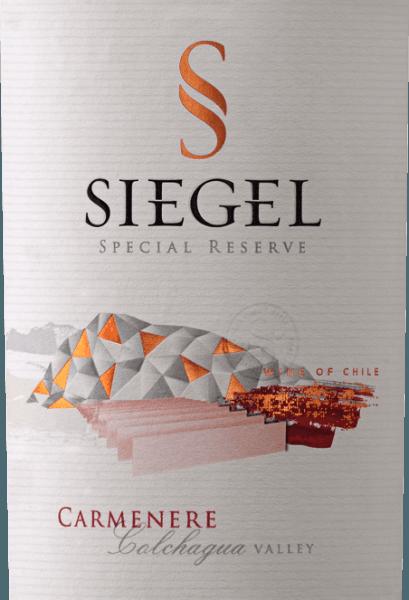 De Special Reserve Carménère van Viña Siegel presenteert zich met een sterk violet-rood en een rijk bouquet. Deze verleidt met de aroma's van gemalen zwarte specerijen, steranijs en zwarte peper in een harmonieus samenspel van donkere bosbessen. Deze Chileense rode wijn zorgt voor een sappig mondgevoel met zijn gepolijste tannines en gaat zijn afdronk in met een delicate smelt. Vinificatie voor de Special Reserve Carménère van Viña Siegel Na de oogst ondergaan de druiven koude maceratie en alcoholische gisting bij 27-29° Celsius gedurende 5 dagen voor een donkerdere kleur en een betere structuur. Na twee weken maceratie wordt de wijn gescheiden van de gisten en volgt de malolactische gisting. De wijn werd vervolgens gedurende 10-12 maanden in Frans eiken gerijpt. Spijsadvies voor de Special Reserve Carménère Geniet van deze droge rode wijn bij aromatische gerechten met varkensvlees, romige pasta, gegrild vlees of wild en eend. Prijzen voor deCarménère Special Reserve Descorchados: 90 punten voor 2014 Internationale Wijn- en Gedistilleerdwedstrijd: Zilver voor 2014