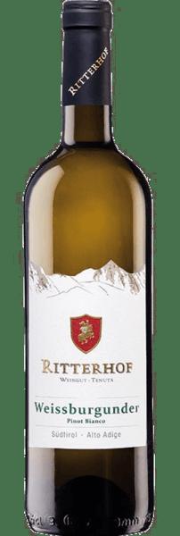 De Zuid-Tiroolse Pinot Blanc Ritterhof DOC van Weingut Ritterhof schittert in het glas in een licht strogeel met delicate, groenachtige reflecties. Deze geurige witte wijn ontvouwt zijn heldere en fruitige bouquet, dat wordt gedomineerd door fijne appel. Deze elegante Zuid-Tiroler toont zich elegant in de mond, met een zachte volheid, racy en met een mooie versmelting. Vinificatie van de Zuid-Tiroolse Pinot Blanc Ritterhof De wijnstokken voor deze witte wijn groeien in de regio's Überetsch en Unterland op kiezelhoudende leemgronden, die de ideale omstandigheden bieden voor deze druivensoort. Na een korte maceratie worden de handgeplukte druiven voorzichtig geperst, geklaard en gefermenteerd in roestvrijstalen tanks bij 20° Celsius. Spijsadvies voor de Zuid-Tiroolse Pinot Blanc Ritterhof Geniet van deze droge witte wijn als aperitief, met in spek gewikkelde boontjes of in sesam gewikkelde forel op erwtenpuree. Onderscheidingen voor de Zuid-Tiroolse Pinot Blanc Ritterhof Luca Maroni: 90 punten (oogstjaar 2016) Falstaff 84-86 punten (oogstjaar 2016) Luca Maroni: 88 punten (oogstjaar 2015) Veronelli: 87 punten (jaargang 2015)