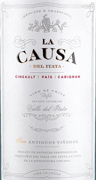 De druiven Cinsault (60%), Pais (25%) en Carignan (15%) voor de blend van La Causagroeien in de prachtige Valle del Itata - gelegen in het Chileense wijnbouwgebied Valle Sur In deze wijn glinstert een dicht robijnrood met paarse accenten in het glas. Verse rode en zwarte bessen (framboos, braambes en aalbessen) in combinatie met rijpe pruim en sappige morellen kers zorgen voor een geurig en fris boeket. Daarnaast is er een vleugje kruidigheid en nuances van gedroogd fruit. Deze Chileense rode wijn presenteert zich zeer fruitig in de mond. De stevige tannine geeft deze wijn een sterke structuur en de vitale zuurgraad een heerlijke frisheid. Met een goede spanning sluit deze rode wijn af in een lange finale. Vinificatie van de La Causa Blend Alleen bij optimale rijpheid worden de drie verschillende druivensoorten voor deze rode wijn geoogst. Er wordt begonnen met Cinsault, gevolgd door Pais en tenslotte Carignan. In de wijnkelder worden alle druiven zorgvuldig geselecteerd en gekneusd. In roestvrijstalen tanks wordt de most gedurende 7 dagen gefermenteerd bij een gecontroleerde temperatuur van 22 tot 26 graden Celsius. Tenslotte wordt deze wijn zorgvuldig afgetapt, geblend en rust hij 12 maanden in Franse eiken vaten - waarvan 10% nieuw hout. Aanbevolen voedsel voor de Blend La Causa Geniet van deze droge rode wijn uit Chili bij gezellige barbecues van entrecotes, steaks en karbonades. Of serveer deze wijn bij stoofschotels en gegratineerde empanadas.
