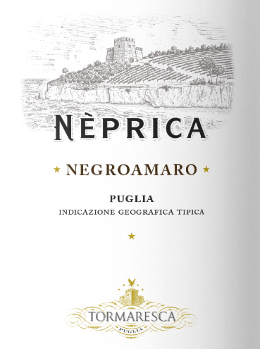 De Neprica Negroamaro Puglia IGT uit Tormaresca schittert robijnrood in het glas. In de neus ontvouwen zich aroma's van kersen en jam met delicate tonen van viooltjes en anijs. In de mond is de Neprica Negroamaro zacht en elegant, met zeer fijne tannines, smakelijk, met een aangename frisheid en levendigheid die zich aangenaam voortzetten in de afdronk. Vinificatie van de Tormaresca Neprica Negroamaro Puglia IGT De Negroamaro druif is de meest veelzijdige autochtone druivensoort in Puglia, en in de streek van Tormaresca bekoort hij vooral door zijn harmonie en volheid van smaak. De druivenworden geoogst en vervolgens gefermenteerd in temperatuurgecontroleerde roestvrijstalen tanks bij een maximumtemperatuur van 26°C gedurende een periode van 8 tot 10 dagen. Bij het begin van de winter is de malolactische gisting voltooid, gevolgd door een rijping van acht maanden in roestvrijstalen tanks en vervolgens nog eens vier maanden in de fles voordat de wijn op de markt wordt gebracht. Spijsadvies voor de Neprica Negroamaro Puglia IGT uit Tormaresca Wij bevelen deze mooie rode wijn uit Apulië aan bij typische gerechten uit de streek, van pasta tot vleesgerechten, maar ook gewoon bij de pizza in een rondje met vrienden.