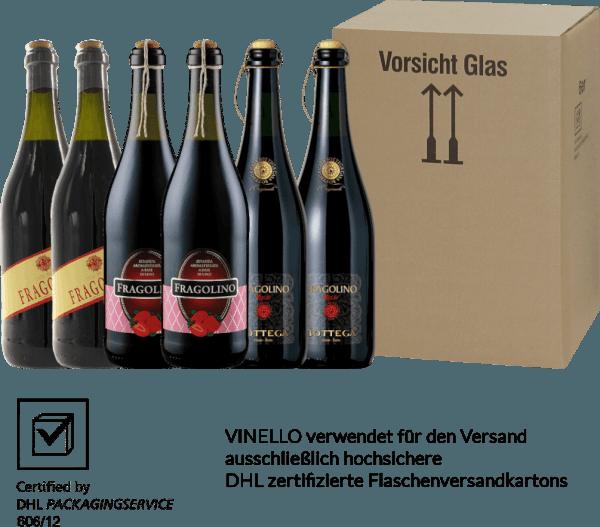 """Aardbei hier - aardbei daar - met Fragolino, aardbei is overal. Fragolino betekent niet voor niets """"kleine aardbei"""". Fragolino wordt niet alleen geassocieerd met de aardbei-fruitige geur en smaak, maar ook met een fijn sprankelend plezier. Fragolino is een drank op basis van wijn die wordt bereid uit de druivensoort Vitis Labrusca, ook bekend als aardbeiendruif. Waarom eigenlijk onder andere en niet alleen van deze druivensoort? Het verhoogde methanolgehalte in de gefermenteerde most van deze druif is volgens de EU-richtsnoeren te hoog. Daarom hebben de wijnmakers iets bedacht en andere ingrediënten toegevoegd, zodat we vandaag kunnen genieten van een goed gekoelde Fragolino. En u kunt nu een duik nemen in de aardbeienwereld van Fragolino met ons 6 proefverpakking. Het 6-pack proefpakket - aardbei-fruitig drinkgenot met Fragolino bevat: 2 flessen: Terre del Sole Fragolino Rosso 2 flessen: Masseria la VolpeFragolino Rosso 2 flessen: Bottega Fragolino Rosso Frizzante"""
