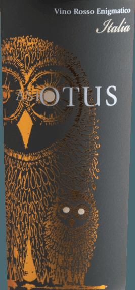 De Asio Otus of Vino Varietale d'Italia van Mondo del Vino is een verleidelijke, volle en heerlijke cuvée van rode wijn die wordt gevinifieerd van de druivensoorten Cabernet Sauvignon, Merlot en Syrah. Deze wijn presenteert zich in het glas in een warm rood en betovert met zijn veelgelaagde bouquet. Het onthult fruitige aroma's van sappige wilde bessen - vooral braambes, framboos en aalbes - prachtig onderstreept met kruidige nuances. Deze Italiaanse rode wijn is vol, expressief en sensationeel kruidig. De opulente smaak, de goed geïntegreerde zuren en de fijne restzoetheid strelen het gehemelte. De naam van deze cuvée van rode wijn komt uit het Latijn en betekent vertaald uil met lange oren. Aanbevolen voedsel voor de Asio Otus Rosso Geniet van deze zoete rode wijn bij een Wellington van ossenhaas, varkensmedaillons met uiensaus of bij een schnitzel met Harissa.