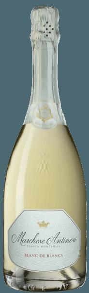 """De Marchese Antinori Blanc de Blancs Franciacorta DOCG van Tenuta Montenisa van de Marchesi Antinori schittert bleekgeel in het glas, de romige schuimrand wordt gevormd door een fijne opgaande en aanhoudende perlage. In de neus ontvouwt zich een bloemig en fruitig bouquet met aroma's die doen denken aan witte perzik en appel. In de mond is deze Spumante levendig, fris, evenwichtig en uiterst elegant. De afdronk is harmonieus, bloemig, verfrissend en aanhoudend. Vinificatie van de Marchese Antinori Blanc de Blancs Franciacorta DOCG van Tenuta Montenisa De Blanc de Blancs Franciacorta behoort tot de lijn van de """"Classici"""" van de Tenuta Montenisa. Voor deze Spumante wordt voornamelijk Chardonnay 85% gevinifieerd met een kleine portie Pinot Blanc 15% uit de eigen wijngaarden van het domein. De jonge most ondergaat een alcoholische gisting in roestvrijstalen tanks, gevolgd door een malolactische gisting in de fles op de fijne droesem gedurende een periode van 24 maanden. Spijsaanbevelingen voor de Marchese Antinori Blanc de Blancs Franciacorta DOCG van Tenuta Montenisa Geniet van deze fijne Blanc de Blancs Franciacorta als ideale begeleider van aperitieven, voorgerechten en pasta- of rijstgerechten met vis. Door zijn uitgesproken frisheid is het een ideale mousserende wijn voor een mooie afdronk na een diner."""
