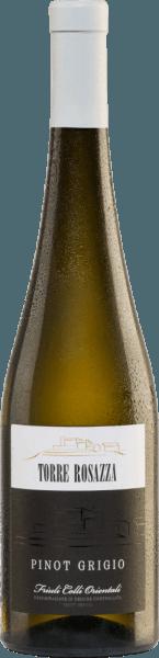 De Pinot Grigio van Torre Rosazza heeft een strogele kleur met gouden reflecties. Deze Italiaanse witte wijn vult de neus met een uitgesproken bloemengeur die overgaat in fruitige tonen met hints van rijpe peren, perziken en appels. In de mond is deze wijn zacht, vleiend en maakt indruk met een zeer goede body en een aangename, delicate zuurgraad die voor veel frisheid zorgt. Over het geheel genomen is dit een heerlijk evenwichtige witte wijn met een mooie persistentie. Vinificatie van deTorre RosazzaPinot Grigio De handmatig geoogste druiven van de Torre Rosazza wijngaard worden ontsteeld, gekneusd en de resulterende most wordt geperst na een korte rustperiode. De resulterende most ondergaat een temperatuurgecontroleerde gisting in roestvrijstalen tanks. Als de gisting is voltooid, rust de wijn zes maanden in de stalen tanks en nog eens twee maanden in de fles. Spijsadvies voor de Pinot Grigio Torre Rosazza Deze droge witte wijn uit Italië harmonieert uitstekend met soepen, voorgerechten met vis, stevige visgerechten zoals tonijn en gerechten met wit vlees. Prijzen voor dePinot Grigio van Torre Rosazza Gambero Rosso: 3 glazen voor 2016 Berlijn Wijn Trofee: Goud voor 2016 Decanter Awards: goud voor 2016 Mundus Vini: Zilver voor 2016
