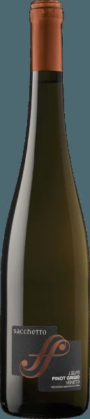 De L'Elfo Pinot Grigio Veneto IGT van Sacchetto verschijnt in het glas in een intens strogeel, dat een koperkleurige glans heeft. Het delicate bouquet van deze witte wijn wordt gekenmerkt door de aangename aroma's van abrikozen en lindebloesem. In de mond roept deze volle Pinot Grigio bij elke slok rijpe mango's op. Deze intense en evenwichtige wijn is de perfecte metgezel voor de zomer. Vinificatie van de Sacchetto L'Elfo Pinot Grigio De druiven voor deze single-varietal Pinot Grigio komen uit Veneto. Na de oogst worden de druiven onder temperatuurcontrole gemacereerd. De persing wordt gevolgd door de gisting van de most met geselecteerde gisten. De wijn wordt vervolgens gerijpt in roestvrijstalen tanks bij een gecontroleerde temperatuur, gevolgd door een verfijning in de fles. Spijs aanbeveling voor de Sacchetto L'Elfo Pinot Grigio Geniet van deze droge witte wijn bij voorgerechten met vis en zeevruchten, soepen of gekookte kip.
