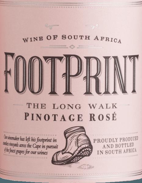 De Footprint Pinotage Rosé van African Pride schittert in een prachtig zalmroze in het glas. In deze Zuid-Afrikaanse rosé staat het bessenfruit duidelijk op de voorgrond. De neus en het gehemelte worden verwend door krachtige aroma's van sappige frambozen en rijpe aardbeien. Daarnaast zijn er fijne nuances van braam en veenbes. Deze droge roséwijn overtuigt door zijn fruitige, elegante persoonlijkheid en de aansprekende zuurstructuur. Spijsadvies voor de Footprint Rosé Deze roséwijn uit Zuid-Afrika is een waar genoegen bij carpaccio, Spaanse tapas - warm of koud - en ook bij geglaceerde zalm met knapperige groenten.