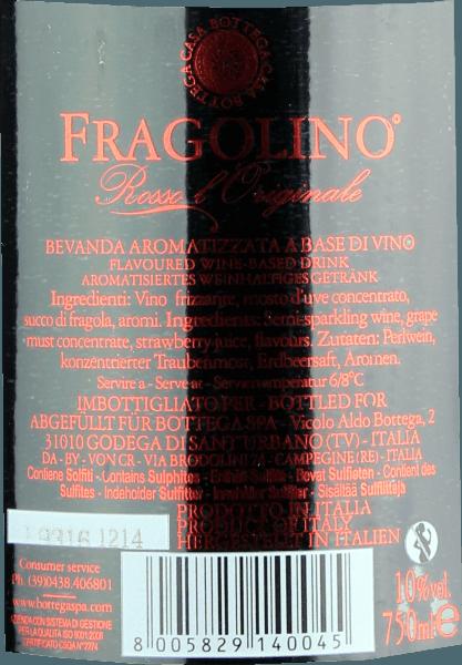 De Fragolino Rosso Frizzante van Bottega uit Veneto komt in het glas met een helder kersenrood en paarse reflecties. Deze mousserende wijn ruikt als geen andere in zijn soort naar rijpe sappige aardbeien, vers gemaakt aardbeienijs en hints van witte chocolade met stukjes gedroogde aardbei. Bottega's Fragolino Rosso flatteert het gehemelte met een aangename zoetheid, een frisse smaak en een delicate, niet te overheersende prikkeling. Opnieuw betoveren aardbeienaroma's in alle tinten het gehemelte. Vinificatie van de Bottega Fragolino Rosso Frizzante De huidige Fragolino is een eerbetoon aan de Isabella wijnstok, ook bekend als Clinton of Fragola. Het druivenras was de reddende strohalm voor vele wijnbouwers, vooral na de phylloxera-ramp, omdat het buitengewoon resistent is. Tegenwoordig wordt de Isabella in Italië nog maar zelden voor wijnbereiding gebruikt, maar Bottega wilde haar toch gedenken en creëerde de Fragolino Frizzante, een op wijn gebaseerde drank die perfect de charme, de intense aardbeienfruitigheid en de aangename, frisse zoetheid van de Fragolino oude stijl weergeeft. Aanbevolen voedsel voor de Bottega Fragolino Frizzante Geniet van deze sprankelende rode Fragolino ervaring als aperitief puur, op ijs, met muntblaadjes of zelfs vergezeld van fruitsalades of een vers gemaakte aardbeien sorbet.