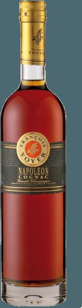 De Napoléon Cognac Grande Champagne van Francois Voyer presenteert zich in het glas amberkleurig met gouden glans en ontvouwt zijn elegante en evenwichtige bouquet met florale toetsen. Deze noten worden gecompleteerd door de aroma's van perziken, pruimen en vanille. Deze elegante brandewijn verleidt in de mond met de aroma's van bosvruchten en pruimen. Serveersuggesties voor de Napoléon Cognac Grande Champagne van Francois Voyer Geniet van deze cognac puur op ijs als begeleiding bij een sigaar.