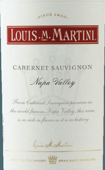De Cabernet Sauvignon Napa Valley van Louis M. Martini toont zich in het glas in een zwartrode kleur en streelt de neus met de intense tonen van bramen, die worden onderstreept door een vleugje vanille en karamel. Deze rode wijn is vol en evenwichtig in de mond met een uitgesproken lange afdronk. Vinificatie van de Louis M. Martini Cabernet Sauvignon Napa Valley Deze cuvée werd gevinifieerd op basis van de druivenrassen Cabernet Sauvignon (90%), Petite Sirah (5%), Petit Verdot (4%) en Malbec (1%). Na een zorgvuldige oogst werden de druiven ontsteeld en koud gemacereerd. Na de gisting rijpte deze Californische rode wijn 21 maanden in Franse en Amerikaanse eiken vaten. Spijs aanbeveling voor de Louis M. Martini Cabernet Sauvignon Napa Valley Geniet van deze droge rode wijn bij rosbief, lamsbout met kaneel en appelpreitaart, pecorino of manchego. Onderscheidingen van de Louis M. Martini Cabernet Sauvignon Napa Valley Robert Parker - The Wine Advocate: 91 punten voor 2013 Wine Spectator: 91 punten voor 2013 Wine Enthusiast: 91 punten voor 2013