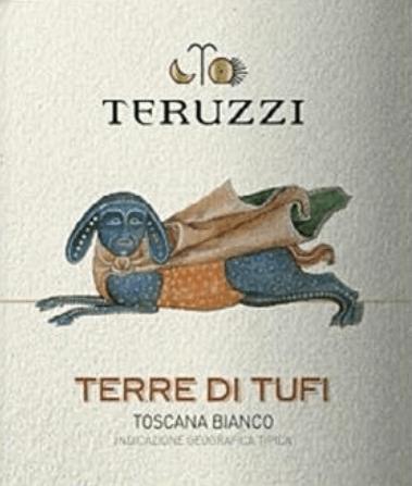 """Cult wijn, maar niet een beetje ongewoon. Terre di Tufi Toscana IGT van Teruzzi weerspiegelt alle passie, het streven naar innovatie en hoge kwaliteit in harmonie met de traditie van de Toscaanse witte wijnen. Teruzzi combineerde autochtone druivenrassen met internationale druivenrassen en waren zo de scheppers van de eerste """"Witte Supertuscan"""". De elegante, betoverende Toscaanse witte wijn Terre di Tufi toont zich helder, van een intense strogele kleur in het glas. In de neus ontvouwt zich een intens, rijk bouquet met geuren van kweepeer, appels, complex en aanhoudend, met op de achtergrond een aangename houttoets die resoneert. In de mond toont Terre di Tufi zijn smaakpotentieel. Stevige body, zacht, vol, uitgesproken karakter zonder agressief te zijn, delicate geroosterde aroma's in de lang aanhoudende, persistente afdronk. Vinificatie van de Teruzzi Terre die Tufi De wijn is gemaakt van zorgvuldig geselecteerde Vernaccia di San Gimignano, Chardonnay en Sauvignon druiven geteeld in de eigen wijngaarden rond San Gimignano, de stad van de duizend torens, in het hart van Toscane. Na de handmatige oogst worden de druiven voorzichtig geperst en bij een gecontroleerde temperatuur vergist met geselecteerde gisten in roestvrijstalen tanks. De wijn rijpt vervolgens ongeveer 4 tot 5 maanden in barrqies, waarvan 30% nieuwe vaten en de rest in tweede run. Dit geeft Terre di Tufi zijn zachte, soepele body en harmonieuze rijkdom. Wijn en spijs voor Terre di Tufi by Teruzzi Geniet van deze cultuswijn uit Toscane bij smaakvolle rijst- en pastagerechten, vis en schaaldieren, fijn wit vlees en mals geroosterd rood vlees. Awards Mundus Vini - Zilver IWC Internationale Wijncompetitie - Brons"""