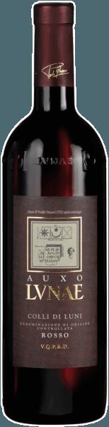 """Het Griekse woord Auxo betekent """"groeien, ontwikkelen"""", het beschrijft de geest en het werk van Cantine Lunea, altijd in harmonie met Moeder Natuur. De rode wijn presenteert zich met een intense robijnrode kleur. Het aroma van rijp rood fruit, bosbessen, bramen, pruimen en rode moerbeien, is verleidelijk en bezielend. De kruidige noot, die doet denken aan zwarte peper en zoethout, is subtiel op de achtergrond en flatteert zijn mediterrane oorsprong. De wijn is zijdeachtig en zacht, ligt discreet op het gehemelte en de tong en laat een geruststellende tanninestructuur achter. Aanbevolen voedsel voor deAuxo Colli di Luni DOC Eenvoudige Italiaanse gerechten van het platteland zoals lasagne, een """"pasta al ragout"""" of zelfs cannelloni in tomatensaus gaan het best samen met deze vertegenwoordiger uit Ligurië. Feiten over de teelt en ontwikkeling van de Auxo Colli di Luni DOC van Cantine Lunae De 30 jaar oude Canaiolo, Ciliegiolo & Sangiovese wijnstokken die de blend vormen voor de Auxo Collidi Luni DOC van Cantine Lunae zijn aangeplant op skeletrijke, met kiezels bezaaide wijngaarden. Ze staan dicht op elkaar met 4000 wijnstokken op een enkele hectare. Nadat de druiven in september volledig rijp zijn geoogst, worden ze zachtjes gefermenteerd in roestvrij staal met een maceratieperiode van ongeveer 10 dagen. De alcoholische gisting wordt gevolgd door 6 maanden rijping in grote oude eiken vaten, die de wijn extra complexiteit en rijpingspotentieel geven, alsmede finesse en expressiviteit. Awards voor de Auxo Colli di Luni DOC van Lunae Decanter: Zilveren medaille 2011 (Vintage 08) Wine Spectator: Cover of Best 100 Values - April 2014, 88 pts (Yr. 10)"""