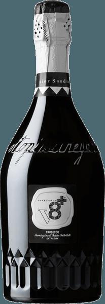 """DeSior Sandro Prosecco Spumante Extra Dry van Vineyards v8+ is een uitstekende, romige mousserende wijn uit Veneto. Deze mousserende wijn wordt uitsluitend gemaakt van de druivensoort Glera. Deze Italiaanse Spumante presenteert zich in een delicaat strogeel met gouden accenten. De perlage danst met fijne parelslierten in het glas. Het bouquet wordt gekenmerkt door intense bloemenaroma's. Daarnaast zijn er fijne hints van sappige perzik en wat peer. In de mond is deze mousserende wijn heerlijk romig met een elegante en aangenaam droge body. De langdurige en aanwezige afdronk wordt gedragen door een discrete kruidigheid. Spijsadvies voor deVineyards v8+Sior Sandro Prosecco Spumante Extra Dry Geniet van deze Prosecco Spumante uit Italië bij koude vis en zeevruchten voorgerechten. Maar deze mousserende wijn is ook de perfecte keuze solo voor elk feest. Awards voor deSior SandroVineyards v8+Prosecco Spumante Extra Dry Mundus Vini: Gouden medaille en """"Beste Prosecco van de proeverij"""" (toegekend in 2015)"""