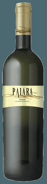 De Paiara Bianco Puglia IGT uit Tormaresca schittert strogeel met groenige reflecties in het glas. In de neus ontvouwen zich florale tonen van witte bloemen en aroma's van appel en ananas, in de mond presenteert deze witte wijn zich fris en stimulerend, zacht en mooi in balans van smaak. Vinificatie van de Paiara Bianco Puglia IGT door Tormaresca Deze jonge, gemakkelijk toegankelijke witte wijn wordt gemaakt van Chardonnay, Bombino Bianco en andere lokale witte druivensoorten. De rijping vindt volledig plaats in roestvrijstalen tanks. Spijsaanbevelingen voor de Paiara Bianco Puglia IGT uit Tormaresca Geniet van deze frisse, ongecompliceerde witte wijn uit Apulië bij schaaldieren, lichte salades en gegrilde vis bij een temperatuur van ca. 10°C. Ideaal als baketwijn, voor een picknick op het strand met vrienden en familie.