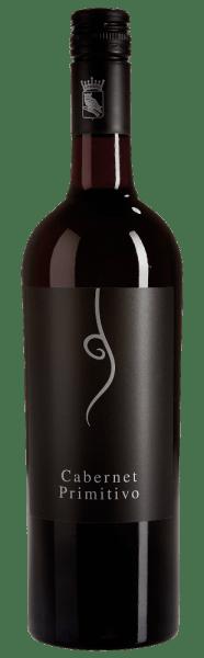 In de Cataldo van Cantine Minini zijn de druivensoorten Cabernet Sauvignon (60%) en Primitivo (40%) verenigd tot een prachtige cuvée. De typische kruidenaroma's van de Cabernet Sauvignon harmoniëren uitstekend met het zachte, fluweelachtige karakter van de Primitivo. Serveertip/spijscombinatie DeCataldo Cabernet Primitivo van Cantine Minini doet het uitstekend bij mediterrane gerechten, rijpe kazen en pittig eten.