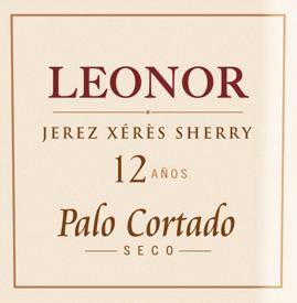 DeLeonor Palo Cortado van González Byass is een complexe sherry, die uitsluitend wordt gevinifieerd van de druivensoort Palomino Fino, die groeien in het Spaanse wijnbouwgebied DO Jerez. In het glas schittert deze wijn in een briljant licht mahonie met een baksteenrode rand. Het bouquet onthult intense, gelaagde aroma's van walnoten en hazelnoten - ondersteund door tonen van het fijnste eikenhout en subtiele hints van bittere sinaasappel. In de mond is deze sherry heerlijk droog en heeft een fluweelzachte textuur die perfect harmonieert met de aroma's van de neus. De lange, aromatische afdronk gaat vergezeld van een nootachtige toets. Vinificatie van deByassPalo Cortado Leonor Na de zorgvuldige handmatige oogst van de Palomino Fino druiven, worden de druiven naar de wijnmakerij van Gonzalez Byass gebracht. Daar worden de bessen voorzichtig geperst. Bij lage temperaturen wordt deze sherry vergist en vervolgens tot 18 volumeprocent versterkt en in de bovenste rij vaten van de Leonor Solera gelegd. Deze sherry rijpt ongeveer 12 jaar in de Amerikaanse eiken Solera vaten voordat deze wijn wordt gebotteld. SpijsadviesLeonor Palo Cortado van González Byass Geniet van deze droge sherry bij oude, pittige kazen of zelfs bij stevige vleesstoofpotten, zoals Hongaarse goulashstoofpot. DeLeonor Palo Cortado kan zijn aroma's het best ontwikkelen in een wit wijnglas. Onderscheidingen voor de sherryGonzález ByassLeonor Palo Cortado Wine Spectator: 92 punten (Editie 2017)