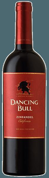 De Zinfandel van Dancing Bull is een zachte, kruidige drop met complexe fruittonen, die verrukt met een diep donker, bijna zwart kleed. In het complexe bouquet presenteert het een mengsel van bramen, zwarte kersen en frambozen, afgerond met kruidige tonen van zwarte peper en vanille. Het rijke, fluweelzachte gehemelte barst van de fruitrijkdom en complexiteit. Het etiket is versierd met een nogal ongewone afbeelding van een dansende stier, die het karakter van deze wijn volledig weergeeft. Deze Zinfandel heeft een krachtige, aanwezige, maar niet te overheersende stijl. Vinificatie van de Dancing Bull Zinfandel Deze cuvée is gemaakt van 80% Zinfandel en 10% Syrah en Petite Syrah elk. Spijs aanbeveling voor de Dancing Bull Zinfandel Geniet van deze droge rode wijn bij pasta met sterke tomatensaus, chili con carne, hamburgers, ribbetjes, steaks, kip, garnalen en gegrilde vis.
