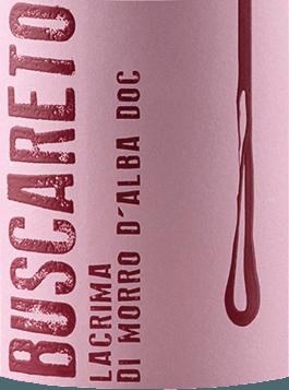 DeLacrima van Buscareto is een zuivere druivensoort, zijdezachte en fruitig-kruidige rode wijn uit de Italiaanse wijnstreek DOCLacrima di Morro d'Alba in Marche. In het glas glinstert deze wijn in een sprankelend robijnrood met kersenrode accenten. Het warme bouquet wordt gekenmerkt door een expressief aroma van sappige bramen, geurige noten van viooltjes en hints van specerijen. In de mond overtuigt deze Italiaanse rode wijn met een heerlijk zijdeachtige textuur, een warme persoonlijkheid en een aangename kruidigheid. Met een aangenaam lange afdronk, besluit deze wijn. Vinificatie van deBuscaretoLacrima di Morro d'Alba De Lacrima druiven groeien in de wijngaardS. Amico di Morro d'Alba in de Italiaanse Marche. Zodra de druiven bij Buscareto's wijnmakerij aankomen, worden ze overgebracht naar roestvrijstalen tanks met een gecontroleerde temperatuur voor gisting en maceratie. Het gistingsproces duurt ongeveer 10 tot 12 dagen. Daarna blijft deze rode wijn 6 maanden in roestvrijstalen tanks. Tenslotte rondt deze wijn harmonieus af gedurende 2 maanden in de fles. Aanbevolen voedsel voor deLacrima Buscareto Deze droge rode wijn uit Italië is een heerlijke begeleider van varkensmedaillons in een fijne peper-roomsaus, gebraden varkensvlees met stevige bijgerechten of bij geselecteerde kazen.