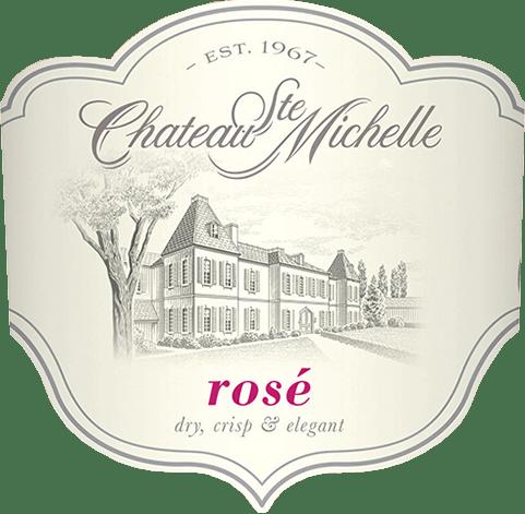 De Ste Michelle Rosé van Chateau Ste. Michelle is de nieuwste wijn in de productfamilie van dit historische wijnhuis. In het glas glanst deze wijn uit de Columbia Valley lichtroze, bijna roze. In de neus ontvouwen zich zomerfrisse aroma's van sappige watermeloen, rijpe rode bessen (vooral aardbei en framboos) en zomergerijpte citrusvruchten. In de mond is deze Amerikaanse rosé zeer sappig, fruitig, droog met een ronde, elegante body. De afdronk wacht met frisheid en een aangenaam lange nagalm. Vinificatie van de Ste Michelle Rosé Voor deze rosé van Chateau Ste. Michelle in de staat Washington worden de druiven Syrah (98%) en een kleine hoeveelheid Merlot (2%) vroeg geoogst en koel vergist in roestvrijstalen tanks. Hierdoor blijft de fruitigheid van de druiven behouden en krijgt deze wijn zijn zomerse frisheid en sappigheid. Spijsadvies voor de Rosé Chateau Ste. Michelle Geniet van deze elegante rosé uit Noord-Amerika als aperitief, bij lichte voorgerechten, wit vlees maar ook vis of als frisse zomerwijn op het terras met vrienden.