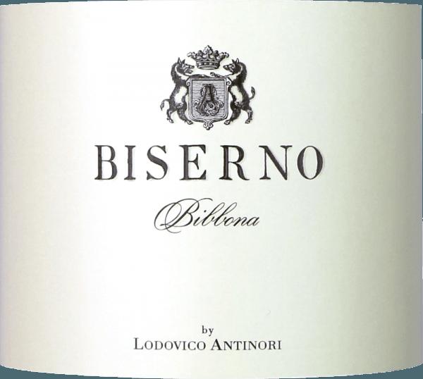 De Biserno Toscana Rosso IGT van Tenuta Biserno is het vlaggenschip van het gelijknamige wijnhuis en een sensationele rode terroirwijn uit de Maremma. In het glas schittert de Biserno intens donkerrood, in de neus opent zich een dicht, complex bouquet met aroma's van rood en donker fruit, kers, braam en donkere pruim. Kruidige noten, versgemalen koffie en tabak onderstrepen het fruitige karakter. In de mond is de Biserno ongelooflijk elegant. Evenwichtige, zachte, aanwezige tannines en een aromatische, smaakvolle diversiteit openbaren zich en geven diepte aan deze grote cuvée. De afdronk is eindeloos lang, zacht en aanhoudend. Een wijn met persoonlijkheid en een internationaal karakter, een unieke weerspiegeling van het terroir en het klimaat van Alta Maremma. Vinificatie van de Biserno Toscana Rosso van Tenuta Biserno Deze cuvée is een selectie van de beste druiven van Petit Verdot, Cabernet Sauvignon, Cabernet Franc en Merlot. De wijngaarden staan op de kleiachtige en zanderige alluviale bodems die typisch zijn voor dit gebied van de Maremma. Na de selectieve oogst van de beste druiven, perfect gerijpt naar gelang van de druivensoort, van begin september tot de tweede week van oktober, vindt in de kelder nog een handmatige selectie op vibrerende transportbanden plaats. De druiven worden vervolgens ontsteeld en voorzichtig geperst. De alcoholische gisting vindt plaats in roestvrijstalen tanks bij een gecontroleerde temperatuur gedurende een periode van 3 tot 4 weken. 60% van de wijn ondergaat malolactische gisting in eikenhouten vaten, de rest in roestvrijstalen tanks. De wijn rijpt vervolgens gedurende 15 maanden in barriques van Frans eikenhout, waarvan 75% in nieuwe barriques en 25% in barriques van tweede persing. Biserno Rosso wordt vervolgens gebotteld en rijpt nog eens 12 maanden op fles alvorens hij klaar is voor de verkoop. De Biserno Toscana Rosso heeft een bewaarpotentieel van 15 jaar en langer. Aanbevolen voedsel voor Biserno Rosso Deze uitzonderlijke t