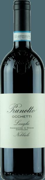 De Occhetti Nebbiolo Langhe DOC van Prunotto schittert intens robijnrood in het glas met een neiging naar granaatrood. In de neus ontvouwen zich elegante geuren van framboos, rozenblaadjes en zoethoutaroma's. In de mond is deze Nebbiolo uit Piemonte vol en harmonieus, met een elegante, flatteuze structuur en zachte tannines. De afdronk is lang en evenwichtig aanhoudend. Vinificatie van de Occhetti Nebbiolo Langhe DOC door Prunotto De Nebbiolo druiven voor deze elegante, single-varietal rode wijn uit Piemonte groeien op 250 m.a.s.l. op een zuid-zuid-west blootstelling, de bodem wordt gekenmerkt door niet erg diepe zee zand bodems, met grind lagen gemengd met klei en kalksteen mergel lagen. De optimaal gerijpte druiven worden na de handmatige oogst ontsteeld en geperst. De maceratie en alcoholische gisting gedurende 7 dagen vinden plaats bij een gecontroleerde temperatuur van maximaal 29°C, en de malolactische gisting is volledig voltooid voor het begin van de winter. Na rijping in houten vaten van verschillende grootte gedurende 18 maanden, wordt de wijn gebotteld en rust hij nog enkele maanden in de flesopslag voordat hij te koop wordt aangeboden. Spijsadviezen voor de Occhetti Nebbiolo Langhe DOC van Prunotto Geniet van deze elegante, geurige Nebbiolo bij warme hors d'oeuvres, pasta, risotto, polenta en vleesgerechten die niet te rijk of te zwaar zijn. Het wordt aanbevolen de fles 1 uur voor het serveren te openen. Prijzen voor de Occhetti Nebbiolo Langhe DOC van Prunotto Gambero Rosso: 2 glazen voor 2013 en 2014 I Vini di Veronelli: 89 punten voor 2014 Bibenda: 3 druiven voor 2011, 4 druiven voor 2012 James Suckling: 90 punten voor 2012 I Vini di Veronelli: 90 punten voor 2011
