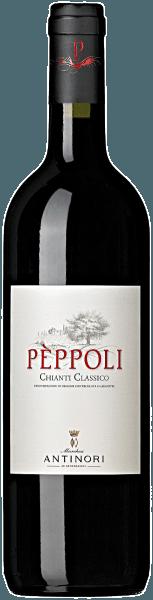 De Pèppoli Chianti Classico DOCG van Tenuta di Pèppoli is robijnrood in het glas. De neus onthult intens fruitige tonen die doen denken aan kersen en rode bessen, aangevuld met bloemige aroma's van viooltjes en lichte, delicate, harmonieus geïntegreerde nuances van getoast hout. In de mond is hij fris, smaakvol, met zachte tannines, evenwichtige structuur, in de aangename afdronk blijven de aroma's van het bouquet hangen. Vinificatie van de Chianti Classico DOCG van Tenuta Pèppoli Voor deze Chianti wordt 90% Sangiovese gevinifieerd en in totaal 10% Merlot en Syrah. De druiven worden afzonderlijk geoogst volgens de druivensoort, ontsteeld, geperst en overgebracht in roestvrijstalen tanks. De alcoholische gisting vindt plaats bij een gecontroleerde temperatuur tussen 26 en 28°C om de aromatische kenmerken en de fruitige en bloemige noten van elke druivensoort te behouden. De rijping op de schil duurt 8 tot 10 dagen voor de Sangiovese en ongeveer 15 dagen voor de andere variëteiten. Op die manier worden de zachte en milde tannines optimaal geëxtraheerd. Na de malolactische gisting, die tot het einde van de winter duurt, wordt de cuvée gevormd en wordt de jonge wijn gedurende 9 maanden in grote Slavonische eiken vaten gerijpt, waarbij een klein gedeelte in roestvrijstalen tanks wordt gerijpt. De wijn wordt iets meer dan een jaar na het oogstjaar gebotteld. Voedingsadviezen voor de Chianti Classico DOCG van Tenuta Pèppoli Geniet van deze smakelijke Chianti Classico als bijgerechtbij pizza, bij bruschetta, bij hele menu's of gewoon met olijven en kappertjes. Prijzen voor de Pèppoli Chianti Classico DOCG van Tenuta Pèppoli Falstaff: 91 punten voor 2015 Wine Spectator: 90 punten voor 2015 James Suckling: 92 punten voor 2013