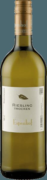 De Riesling van Weingut Espenhof schittert in het glas in een helder geel met groene reflecties en ontvouwt zijn rassige bouquet met aroma's van perzik, groene appel en limoen. Deze aroma's worden afgerond door een delicate kruidigheid en kruidentoetsen. Deze witte wijn uit Rheinhessen heeft veel substantie en sappigheid in de mond met een fijne mineraliteit. Vinificatie voor de Riesling van de Espenhof-wijnmakerij De bijna 20 jaar oude wijnstokken voor deze Riesling groeien op een stenige zuidhelling op schelpkalksteen in de Flonheimer BIngerberg. De druiven worden selectief geoogst, de gisting en de rijping vinden voor 50% plaats in roestvrijstalen tanks en voor 50% met spontane gisting gedeeltelijk in groot hout. Daarna wordt deze Riesling op de volle gist bewaard tot het bottelen. Spijsadvies voor de Riesling van de Espenhof Winery Geniet van deze droge witte wijn bij zoetwatervis, asperges of geroosterd varkensvlees.