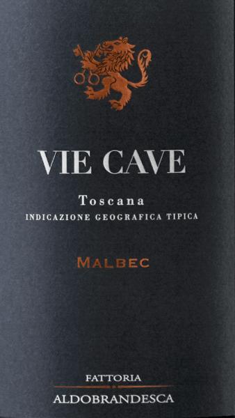 De Vie Cave Toscana IGT van Fattoria Aldebrandesca presenteert zich in een zeer intens robijnrood in het glas. In de neus opent zich een complex bouquet met geuren van rijp, donker fruit die zachtjes worden afgewisseld met kruidige aroma's, zoethout, koffie en zachte vanilletonen. Zijdezacht, innemend en prachtig evenwichtig en aanhoudend in de mond, met hints van rijp donker fruit, koffie en zoethout die terugkomen in de lange afdronk. Vinificatie van de Vie Cave Toscana IGT van Fattoria Aldebrandesca Deze rode wijn is gewijd aan de grotten, oude Etruskische doorgangen die in het tufsteen zijn uitgehouwen en die overal in het Sovana-gebied en ook in de Fattoria Aldebrandesca te vinden zijn, en die een zeer oud, vertakt netwerk van paden laten zien. Malbec, een Franse druivensoort die nog relatief nieuw is in Italië, heeft een ideaal terroir gevonden in de vulkanische Maremma. De druiven van de nieuwe wijnstokken die hier een paar jaar geleden zijn aangeplant, worden eind september of begin oktober optimaal rijp geoogst. In de kelder worden ze ontsteeld en voorzichtig geperst alvorens te worden overgebracht in roestvrijstalen tanks. De eerste maceratiefase vindt plaats bij lage temperatuur gedurende 3 tot 4 dagen om de aromatische stoffen en de anthocyanen in de schillen te extraheren, daarna wordt de temperatuur van de most verhoogd zodat de gisten kunnen worden toegevoegd, de alcoholische gisting vindt plaats bij 30° samen met een continue zachte maceratie gedurende een week om de zachte tannines te behouden. Nadat de schillen zijn verwijderd, wordt de wijn overgebracht naar barriques van Frans eikenhout waar de malolactische gisting wordt voltooid, gevolgd door 10 maanden rijping. De Vie Cave rust nog 14 maanden in de fles alvorens te worden vrijgegeven. Spijsadvies voor de Vie Cave Toscana IGT van Fattoria Aldebrandesca Een fruitige, zachte rode wijn die zeer goed samengaat met vleesgerechten, barbecue, pasta en rijst met stevige ingrediënten. Onderscheidingen v