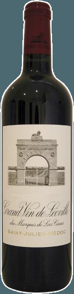 """De Château Leoville-Las-Cases 2ème Grand Cru Saint-Julien AOC uit Saint-Julien verleidt met de tonen van donkere bessen, chocolade en hout, die uitstekend harmoniëren met de zachte tannines. Al met al een geconcentreerde en krachtige rode wijn met een indrukwekkend rijpingspotentieel. Een cuvée die beroemd is om zijnenorme concentratie, dichtheid en lange levensduur. Onderscheidingen voor Château Leoville-Las-Cases 2ème Grand Cru Saint-Julien AOC Robert M. Parker kent 98+/100 punten toe:""""De 2009 Leoville Las Cases is misschien wel de meest open en vooruitstrevende Las Cases die ik tot nu toe heb geproefd. Analytisch is het hoog in tannine en de alcohol is 13,8%, bijna een record op dit landgoed. Deze blend van 76% Cabernet Sauvignon, 15% Merlot en de rest Cabernet Franc liet zich uitstekend zien tijdens de proeverij die ik in 2009 in Hongkong deed en tijdens een latere proeverij. De wijn heeft een donkere/paarse kleur, een enorme concentratie en veel zoet, jammig fruit van zwarte bessen, zwarte kersen en kirsch, vermengd met steenslag en minerale tonen. Zoals altijd heeft eigenaar Jean-Hubert Delon een massieve wijn gebouwd met een uitzonderlijke precisie, een ongelofelijke zuiverheid en een rijpingspotentieel van 40-50 jaar. Ik was meermaals verrast door de weelderigheid van deze cuvee, en hoeveel meer voorwaarts hij is gezien het feit dat Las Cases vaak voorspelbaar achterlijk kan zijn en 10-15 jaar rijping nodig heeft (op 30-jarige leeftijd is de 1982 nog steeds een baby in termen van ontwikkeling!). De supergeconcentreerde 2009 heeft nog 5-7 jaar nodig voordat extra nuances naar voren komen. Dit is een briljante, vol gas St.-Julien."""" Weinwisser kent de hoogste score van 20/20 punten toe: """"Opbrengst: 38 hl/ha. De Grand Vin, een blend van 76% Cabernet Sauvignon, 15% Merlot en 9% Cabernet Franc, rijpt in 65% nieuw hout. Rijk paars-garnet. In de neus een waanzinnige cocktail van verschillende bessen, geconcentreerd en al gebost, amarena kersen, cassis en wilde framb"""