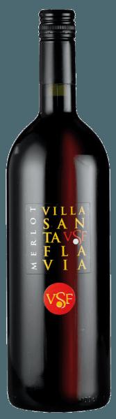 Dit is hoe deMerlot Villa Santa Flavia van Sacchetto smaakt De Merlot Villa Santa Flavia van Sacchetto schittert in een helder rood. De neus onthult fijne kersenaroma's. Deze smaak blijft hangen in de mond, waar hij vol en ongecompliceerd is. Een charmant, harmonieus rood. Aanbevolen voedsel voor de Merlot van Villa Santa Flavia Een goede begeleider van een stevige Italiaanse snack, met verse mortadella, spek en verse kaas. Bij voorkeur een verse tomatensalade met tomaten uit eigen tuin. De alledaagse geneugten.