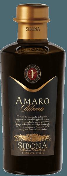 De Amaro Sibona van Antica Distilleria Sibona is een unieke kruidenlikeur met uitzonderlijke eigenschappen, die wordt gemaakt volgens een oud Piemontese familierecept, kruidig op de neus, mild en aromatisch van smaak. Hiervoor worden 34 verschillende kruiden, geneeskrachtige kruiden en aromatische planten, zoals gentiaan, echte centaurie, rabarber en andere kruiden gebruikt.De ingrediënten worden gedurende enkele weken langzaam gemacereerd in hun speciale samenstelling en vervolgens onderworpen aan een rijping. Aanbevelingen voor de Amaro Sibona van Antica Distilleria Sibona Geniet van deze fijne kruidenlikeur uit Piemonte van de historische Distilleria Sibona het beste puur of on the rocks of ook bij ijs en desserts of als verfijnd ingrediënt in risotto. Awards International Spirits Competition 2013 - Grand GoldInternational Spirits Competition 2016, 2015, 2014 en 2012 -Gold