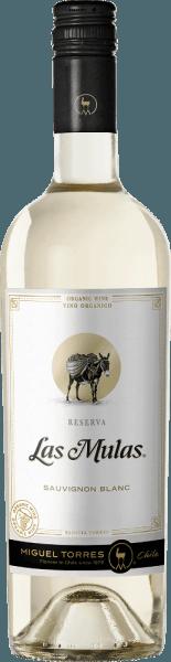De druiven voor deLas Mulas Sauvignon Blanc van Miguel Torres Chili groeien op biologisch beheerde wijngaarden in het prachtige Chileense teeltgebied Valle Central. Deze wijn presenteert zich in het glas in een delicaat strogeel met glanzende groen-gouden reflecties. Geurige aroma's van verse grapefruit en citroen vermengen zich met bloemige hints van fruitbloesem en exotische noten - vooral passievrucht - om een heerlijk aromatisch boeket te creëren. In de mond heeft deze Chileense witte wijn een zijdeachtige textuur die prachtig harmonieert met de levendige zuurgraad. Ook de aroma's van de neus komen tot uiting, waarbij vooral het exotische fruit van grapefruit en passievrucht zich ontvouwt. De afdronk komt met een aromatische weerklank en een aangename lengte. Spijsadvies voor de Torres Sauvignon Blanc Las Mulas Geniet van deze droge witte wijn uit Chili bij gegrilde vis met knapperige groene salades, gebakken bloemkool of ook bij fijne asperge quiche.
