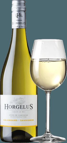 De Domaine Horgelus Blanc Côtes de Gascogne IGPvan Domaine Horgelus maakt indruk met zijn briljante lichtgele kleur, zijn rasechte frisse en intense bouquet waarin citrusaroma's, tropisch fruit en florale tonen overheersen. Een zeer geslaagde en smakelijke cuvée, die fruitig en elegant is in de mond met een levendige zuurstructuur en een licht minerale afdronk. Teelt en vinificatie van de Horgelus Blanc wijn Op de zonnige hellingen van de Gascogne, in het hart van het zuidwesten van Frankrijk, groeien de wijnstokken voor de wijnen van het wijnhuis Domaine Horgelus van de familie Le Menn. Met Yoan is het al de vijfde generatie die wijnen produceert, elk jaar worden nieuwe wijnen gecreëerd, nieuwe cuvées die de geest van het Domaine voortzetten: aangename wijnen, ongecompliceerd en gemakkelijk toegankelijk voor veel mensen en voor elke gelegenheid. De witte wijn van Domaine Horgelus is gemaakt van 75% Colombard en 25% Sauvignon, verbouwd in de wijngaarden van het 66 hectare grote domaine. Het geheim van de wijnen van Yoan Le Menn is het behoud van de fruitige aroma's en de frisheid van zijn wijnen. Daarom vindt de druivenoogst plaats vanaf 3 uur 's morgens tot vroeg in de ochtend om optimaal te profiteren van de koelte van de ochtenduren. De alcoholische gisting bij gecontroleerde temperatuur vindt onmiddellijk na de zachte persing plaats in roestvrijstalen tanks. Daardoor verrassen gebottelde wijnen zoals Horgelus Blanc met hun rijke bouquetten en fruitige smaken. Prijzen en onderscheidingen van de Horgelus Blanc ConcoursGénéral Agricole 2018 - Goud Foodpairing / aanbeveling voor gerechten van de Horgelus BlancColombard Sauvignon Deze frisse, delicaat geurende Horgelus witte wijn uit de Gascogne is een wijn voor iedereen en voor vele gelegenheden. De ongecompliceerde Fransman past perfect bij gevogelte, wit vlees, gestoomde vis en zeevruchten, gemengde salade met vinaigrette.